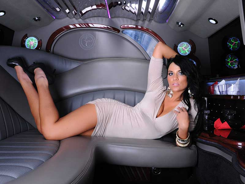 hummer limousine rental boston stretch hummer limos at best rates. Black Bedroom Furniture Sets. Home Design Ideas
