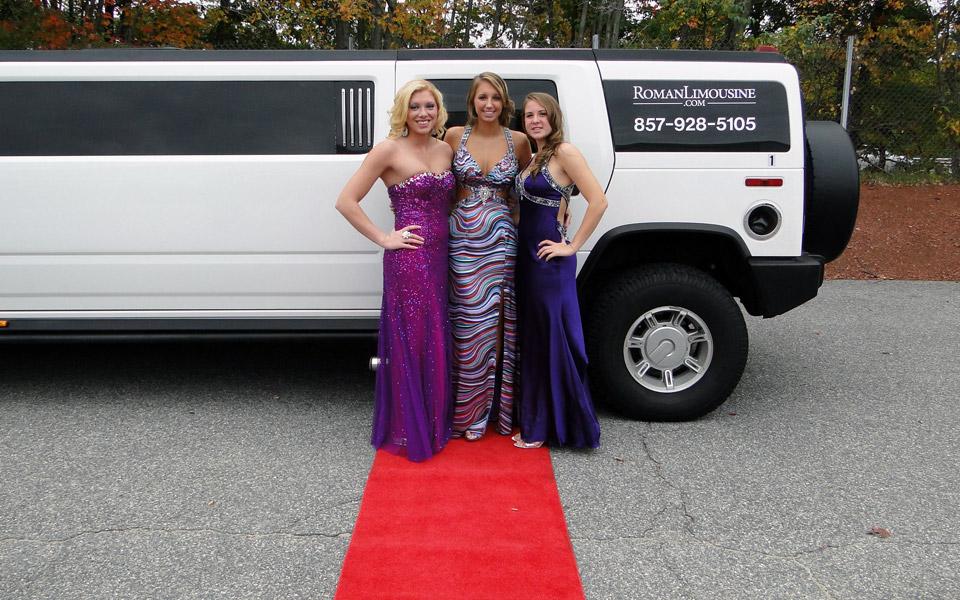 Hummer-limousine-prom-girls