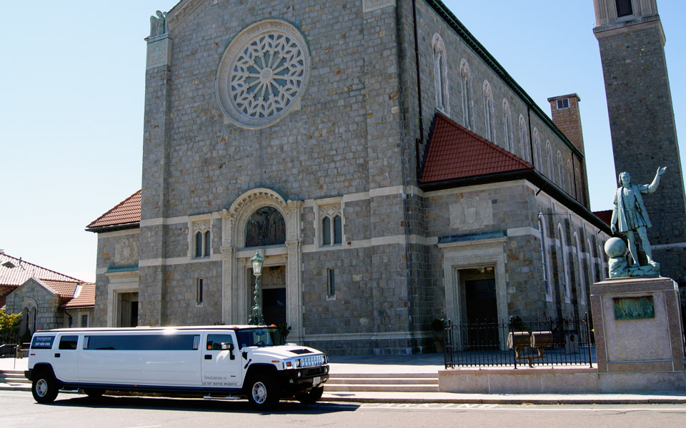 Hummer Liom At The Church