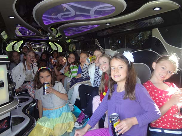 Kids Party in the Party Bus