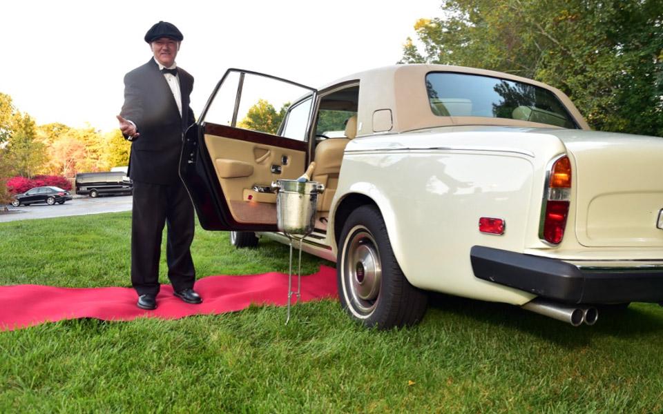 Rols-royce-clasic-car-wedding-red-carpet