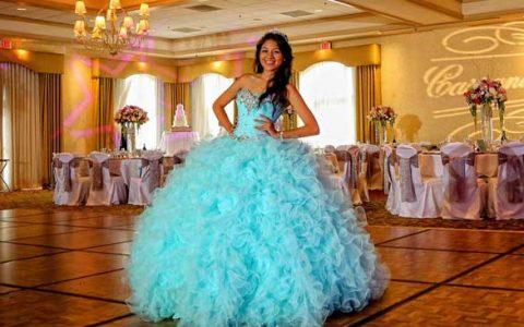 Roman-limousine-quinceanera-party-bus