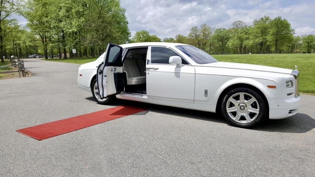 Red Carpet Rolls Royce Phantom